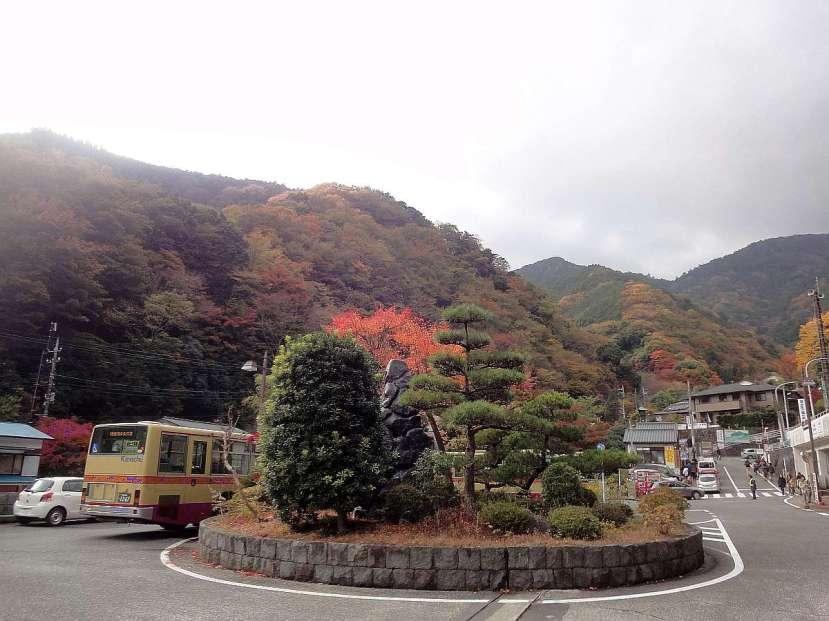 monte oyama llegada autobus rontonda entrada