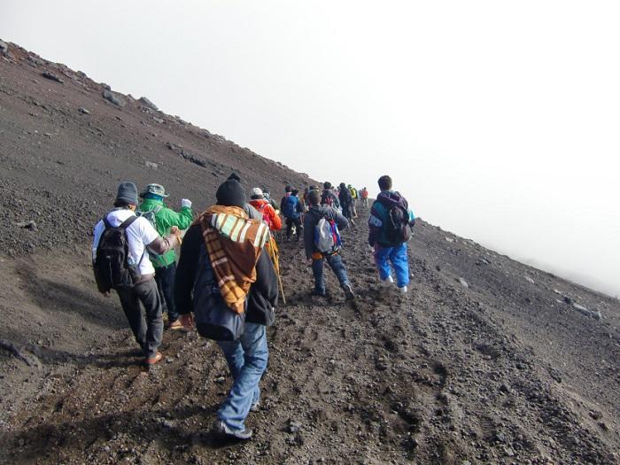 Subir al Monte Fuji. Comienzo del descenso.