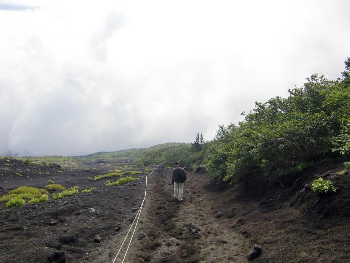 Subir al Monte Fuji. Bajada por Subashiri Trail (須走). Ruta sunaharai (砂払い).