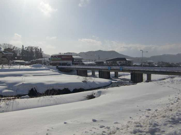 snow-monkeys-monos-nagano-yudanaka-shibu-onsen-006-camino-desde-yudanaka-eki-a-shibu-onsen-006