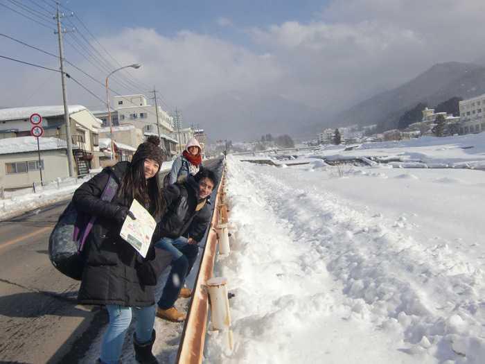 snow-monkeys-monos-nagano-yudanaka-shibu-onsen-006-camino-desde-yudanaka-eki-a-shibu-onsen-009
