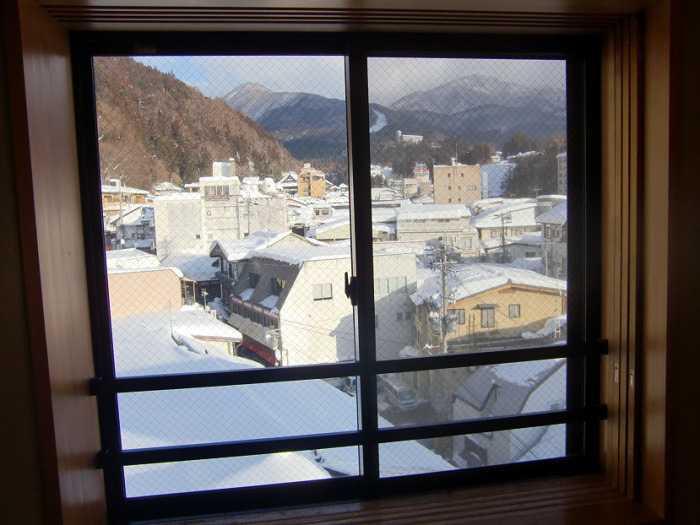 snow-monkeys-monos-nagano-yudanaka-shibu-onsen-008-ryokan-sakaeya-006-habitacion-010