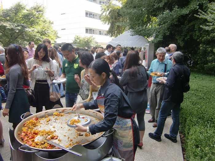 Celebracion Dia Hispanidad Embajada España Tokyo Paella