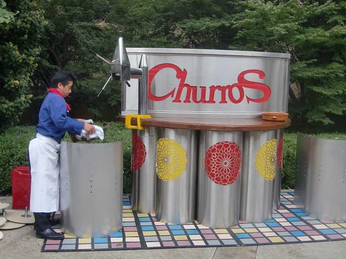 Celebracion Dia Hispanidad Embajada España Tokyo Churros