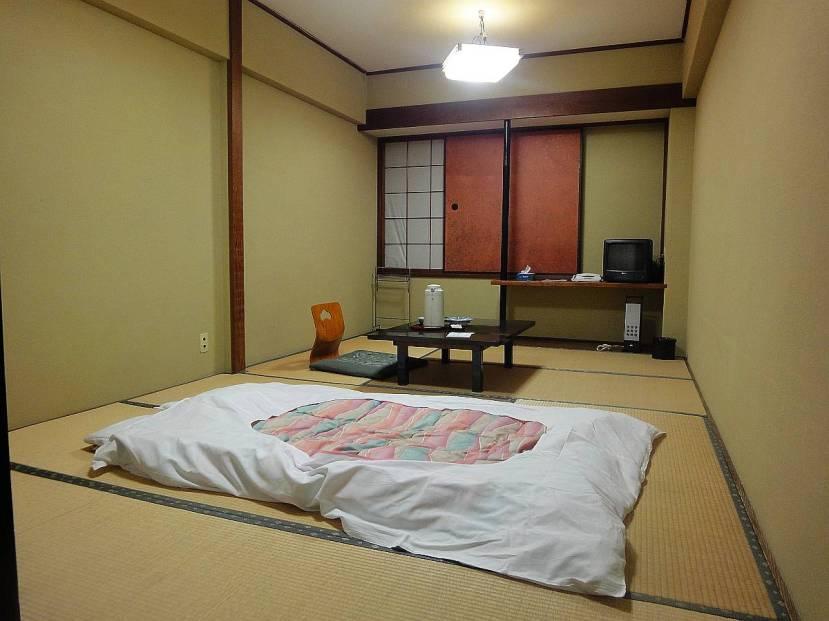 kanazawa Nakayasu Ryokan habitacion
