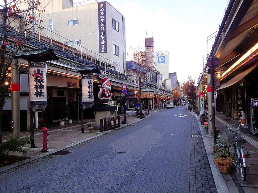 takayama paseo shotengai