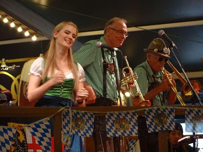 Oktoberfest Woho Kalendar band