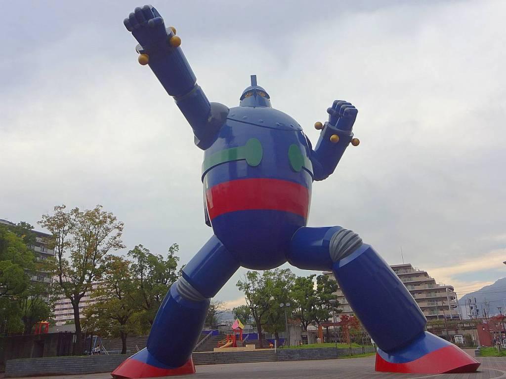 tetsujin 28 estatua kobe frente