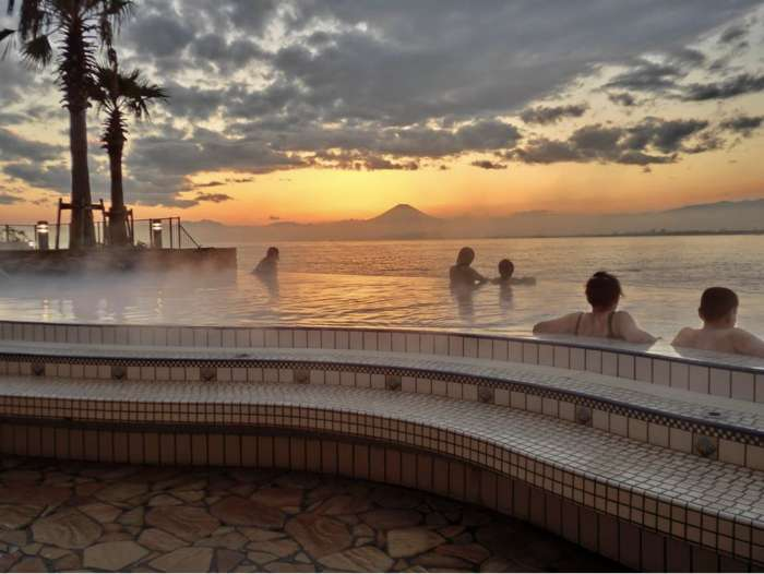 enoshima island spa piscina exterior Open-air Spring Pool