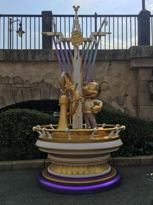 estatuta 35 aniversario disney sea japon