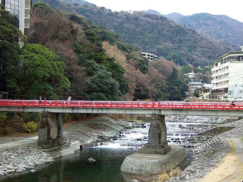 puente rio hakone yumoto